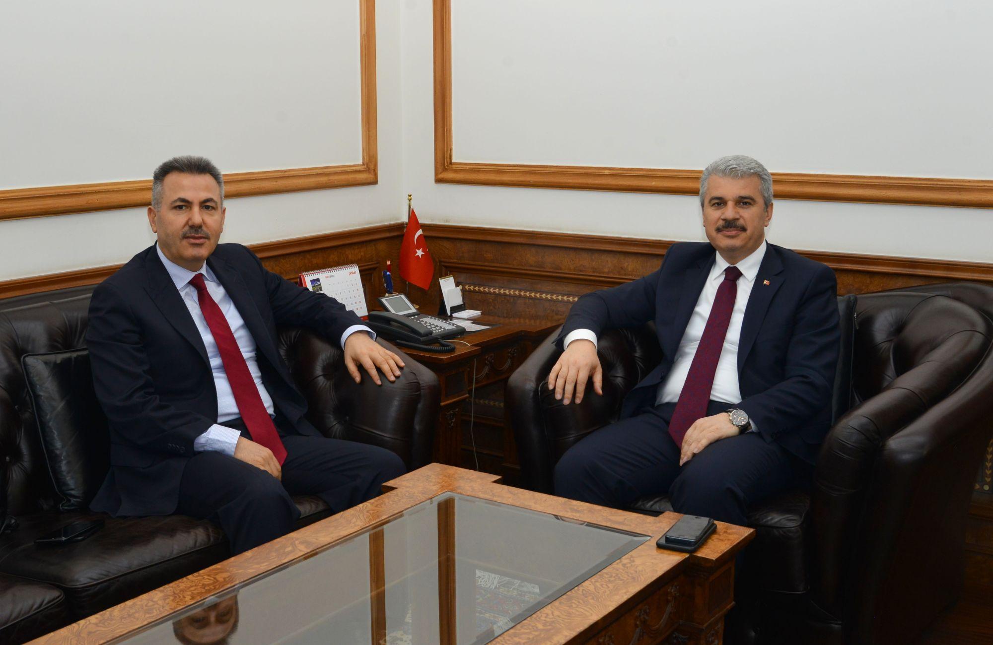 AĞRI VALİSİ ELBAN , VALİ AKIN'I ZİYARET ETTİ