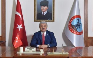 """VALİ AKIN'DAN """"RAMAZAN BAYRAMI"""" MESAJI"""