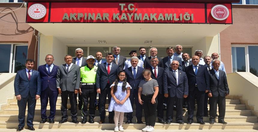 VALİ AKIN AKPINAR'I ZİYARET ETTİ